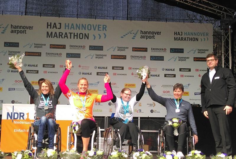 Christiane Reppe und Vico Merklein gewinnen Handbike-Halbmarathon