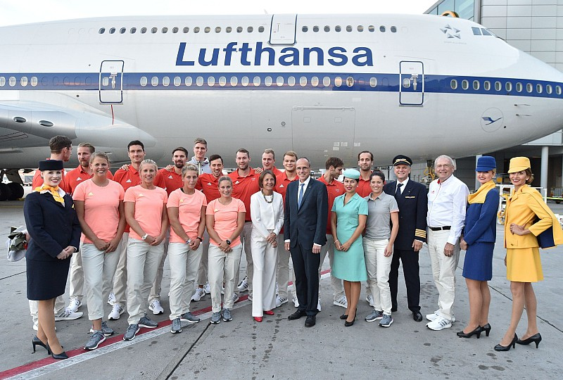 Verabschiedung der Athletinnen und Athleten am Frankfurter Flughafen