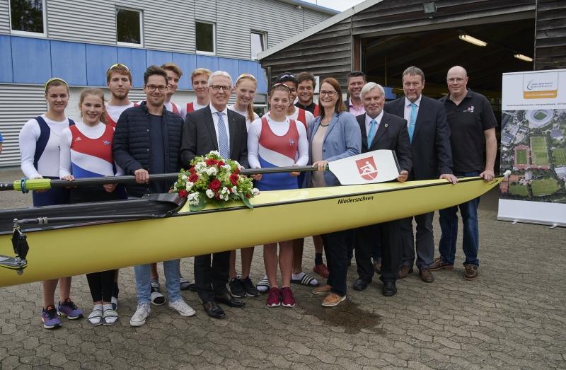 """Taufe des Ruder-Achters """"Niedersachsen"""""""